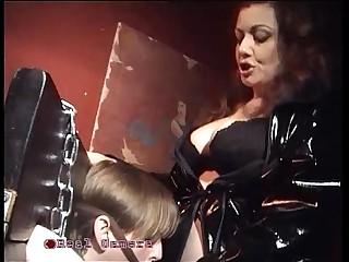 The mistress Jessica bangs..