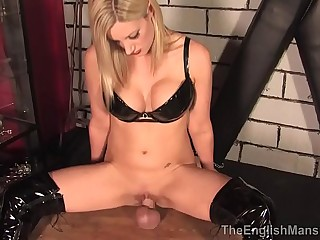 Mistress Nikki Whiplash..