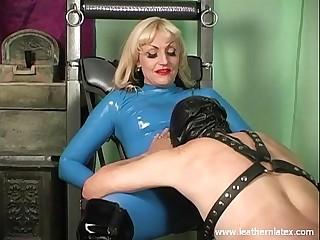 Mistress Kelly latex femdom..