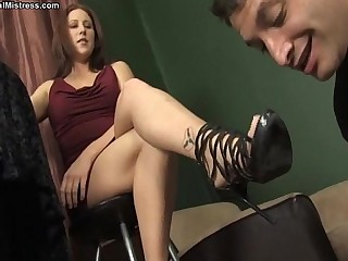 Mistress Shauna Ryanne -..
